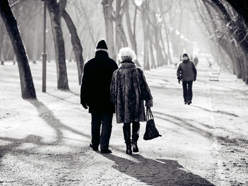 El frío incrementa el riesgo de hipotermia, problemas cutáneos y caídas en los mayores