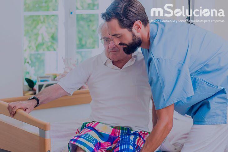 Ventajas de optar por un cuidador profesional en la ayuda a domicilio